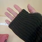 指先が使えて便利♪冷えとり日和365のふわのび手首ウォーマー